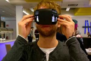 VR-Brille realisiert mit DIVE und Smartphone     VR-Brille realisiert mit DIVE und Smartphone