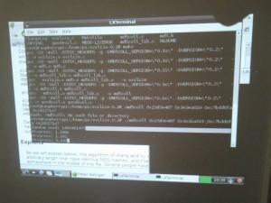 "Der Desktop der Raspbian ""wheezy"" Distribution, Midori Webbrowser inklusive"